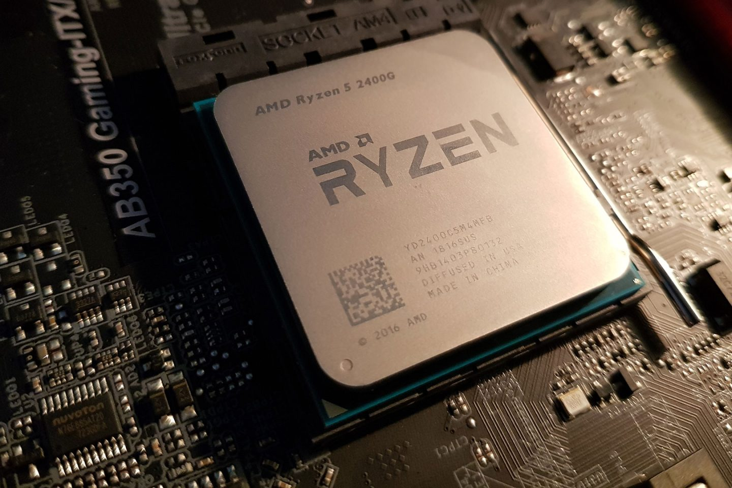 AMD Ryzen 5 2400G Gaming PC